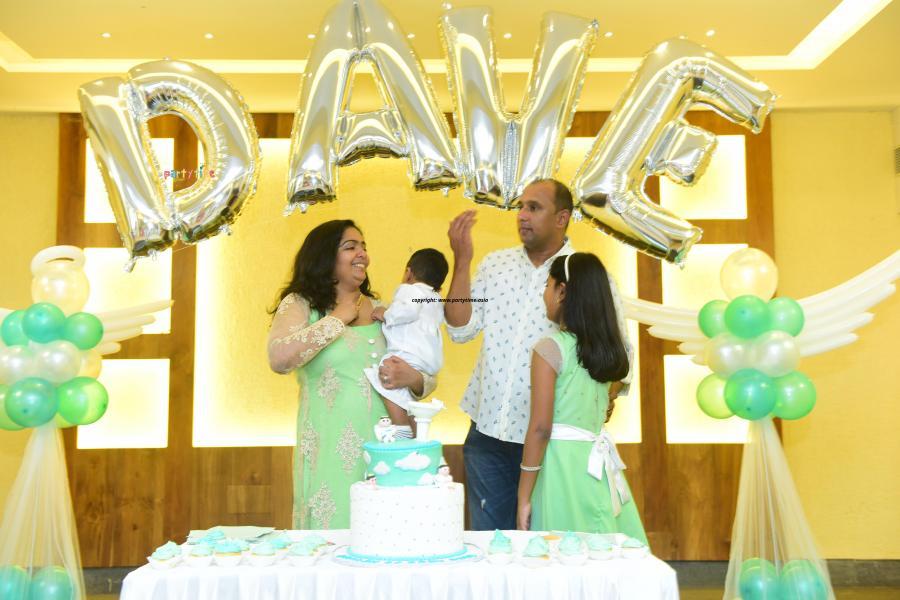 Partytime With Aladin, Ernakulam, Kerala - Holly communion Baptsim Balloon Decoration
